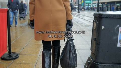 girl-leather-boots-gloves-silver