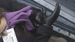leather-gloves-girl-6-page-13